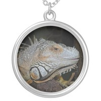 Green iguana round pendant necklace