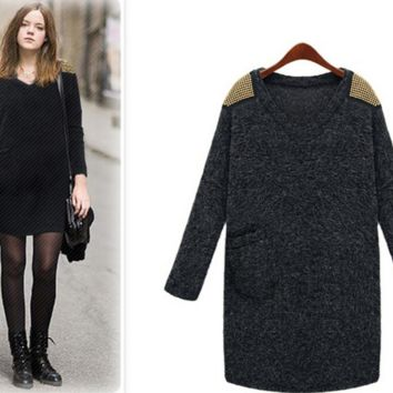 V-Neck Long-Sleeve Knitted Dress With Pocket