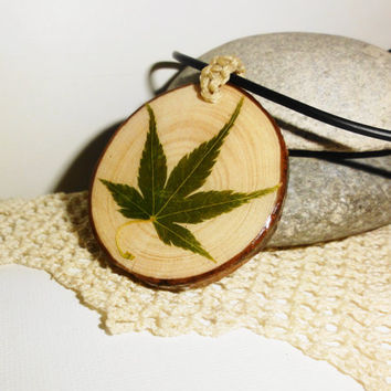 Maple leaf pendant, Natural wood necklace, Natural leaf, 100% natural, Natural ornament, One-of-a-kind necklace, Unique necklace leaf gifts