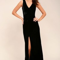 Crushin' It Black Velvet Maxi Dress