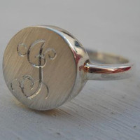 Letter Monogram engraved ring Personalized ring by hellothula