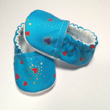 Valentine's Day Shoes - Baby Slippers - Shower Gift - Slipper Booties - Newborn Baby Booties - Pink Heart Booties