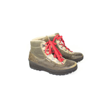 8 | Raichle Leather Hiking Boots / LIKE NEW / vintage /  mountaineering / outdoor / rugged / grunge /  Unisex Mens size 6.5  Womens size 8
