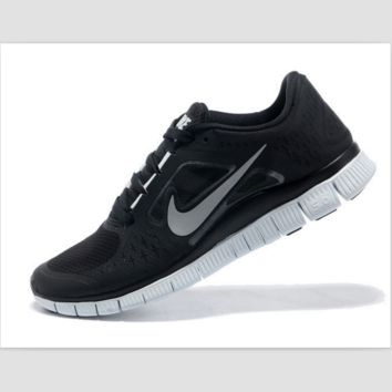 NIKE net surface wear-resistant sneakers casual shoes Black and white