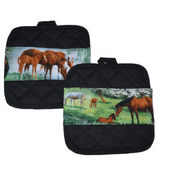 Horse Pot Holders Equestrian Gift Hot Pads Gift for Her Kitchen Accessory Animal Lover Hostess Gift Kitchen Decor Black Kitchen Decor