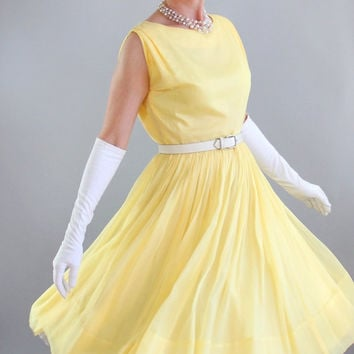 Sale - 1950s Bright Pastel Yellow Party Prom Formal Dress. Wedding. Bridesmaid. Mad Men Fashion. Easter Dress. Cocktail Dress. Size Medium