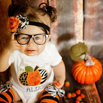 3 Pc. Baby GIRLS PUMPKIN OUTFIT set-Girls Pumpkin Applique Bodysuit-Halloween Photo Props-Halloween Birthday Snap Bottom