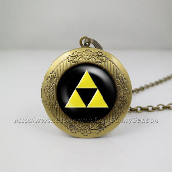 legend of zelda Locket necklace,Zelda Triforce Photo locket necklace,Golden Power Zelda Link Hyrule Tri Force photo locket