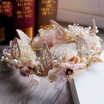 CREYCI7 New Crown Continental Baroque Shell Simulation Flower Bridal Headdress Rhinestone Tiara Wedding Dress Accessories Jewelry Beach