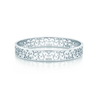 Tiffany & Co. - Tiffany Enchant® narrow bangle in sterling silver, medium.
