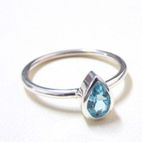 Pear shape Blue Topaz Stacking Ring | ZilverPassion - Jewelry on ArtFire