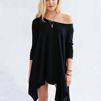Long Sleeve Off Shoulder Asymmetric T-shirt