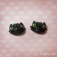 Toothless - Hand-sculpted kawaii Earrings - How to Train Your Dragon tribute!