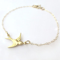 Bird Bracelet - Small Swallow Bird Charm Bracelet - Sparrow Bird Jewlery - Dainty Cute Bracelet - Gold or Silver Tiny Petite Gift Bracelet