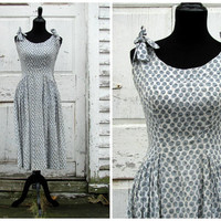 A Perfect Christmas Gift/ Beautiful Vintage 50s Mad Men Drop Waist Full Skirt Party Work Swing Dress