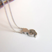 Minimalist rhodium plated customizable cat pendant necklace with rhodium plated filled chain, a perfect gift for her with minimalist style