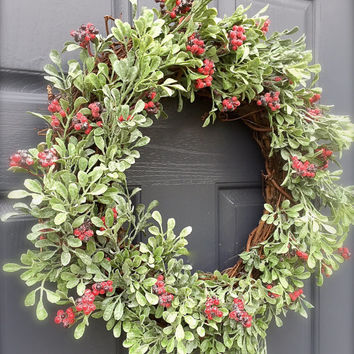 Green Christmas Wreath Berries Holiday Wreaths Green Red Simple Christmas Wreath Classic