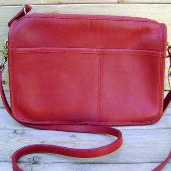 ONETOW Red Coach Cross Body Purse Vintage 80s Leather Womens Handbag Made In New York Satchel