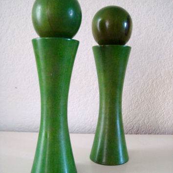 Vintage Wooden Green  Pepper Mill Grinder & Salt Shaker Set, Catalina Japan Green Salt and Pepper Shaker Set, Retro Kitchen Decor