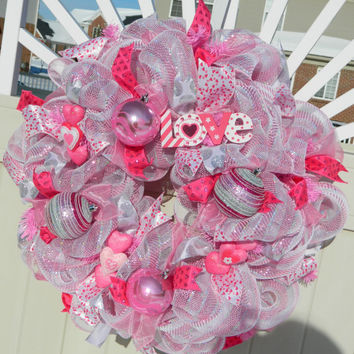 Valentine Deco Mesh Wreath, Pink Silver Metallic Valentine Wreath, Valentine Decor, Pink Heart Valentines Day Wreath, Valentine Heart Wreath