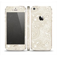 The Tan & White Vintage Floral Pattern Skin Set for the Apple iPhone 5s