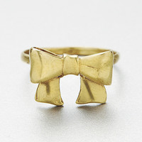 A Ribbon Bow Ring