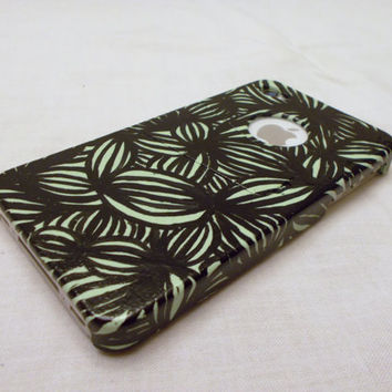Hand paintedflower pattern cell phone case light green for iphone 4 and 4s, hand painted with kickstand. Fast shipping, made to order