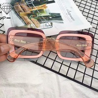 Miu Miu sexy goddess sunglasses noble sexy, elegant and mysterious, irresistible temptation