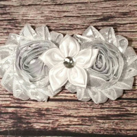 Beautiful Baby Girl Headband! Silver Shabby and white Flower on Silver Glitter Band! Hairband / Bows / Newborn / Infant / Hair bands /Girls