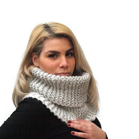 Women's Cowl Scarf, Hand Knit Chunky Cowl Scarf, Neckwarmer, Snood, Light Gray Wool Cowl Scarf, Winter Accessories
