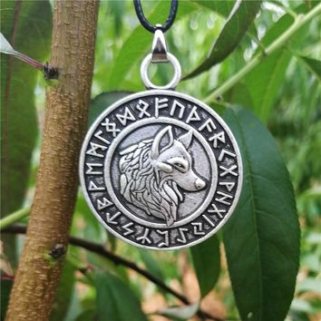 Wolf Head 24 Runes Pendant Necklace Collier Vintage Pagan Norse Jewelry Viking Drop Shipping