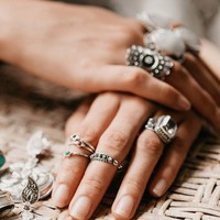 Band of Flowers Midi Ring