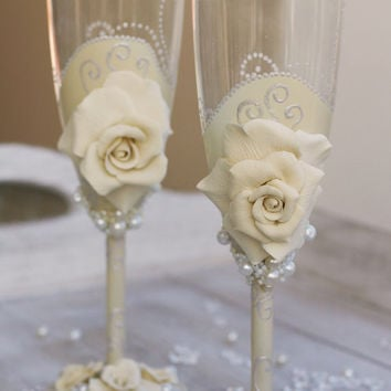 Wedding champagne glasses hand painted. Wedding champagne glasses hand painted set.