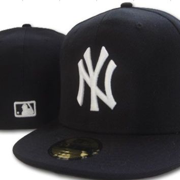 ESBON New York Yankees New Era MLB Authentic Collection 59FIFTY Cap Black-White