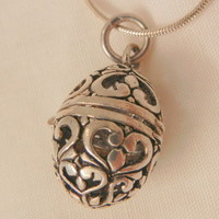 Vintage Sterling Oval cage open cut work Perfume Locket Necklace