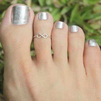 Celebrity Fashion Simple Retro Infinity Design Adjustable Toe Ring Foot Jewelry = 5658240449
