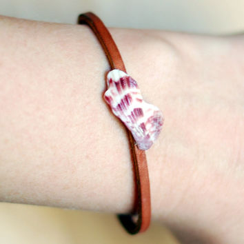 Purple and white seashell leather bracelet, tan with gold detail, eco friendly, beachy, nautical, bangle bracelet, cuff bracelet