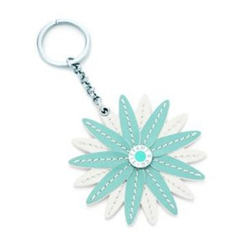 Tiffany & Co. -  Flower key ring in Tiffany Blue® grain leather.