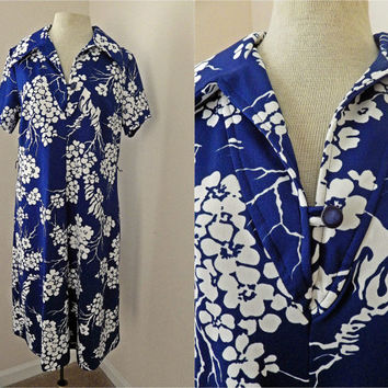 Vintage 70s Blue and White Floral Dress // Polyester // Large Collar // Cover Up // Size Large