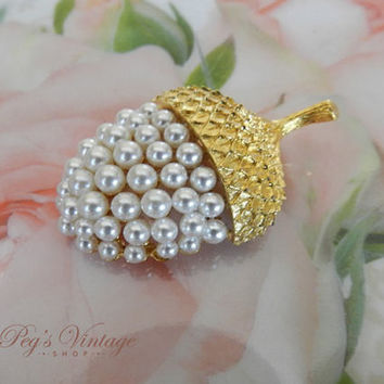 Gorgeous Vintage Gold & Pearl ACORN Pin/ Brooch, Bridal Wedding Jewelry