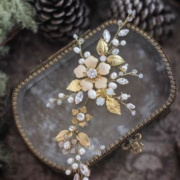 Flower Hair Piece With Pearls, CZ and Opals Wedding Hair Accessory For Bride Bridesmaid Headpiece Gold Leaf Piece Bridal Hair Vine Headpiece