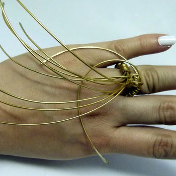 Long art ring in brass wire, chunky dramatic design, high fashion rings, art jewelry, huge rings , spiky rings , statement rings , big rings
