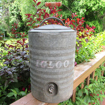 Vintage Igloo Galvanized Steel Water Cooler - 3 gallon - bail handle - 1940s