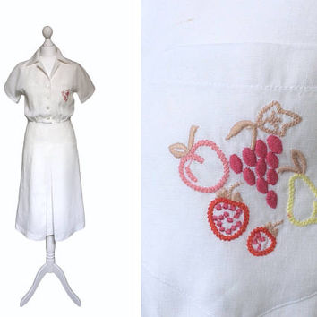 White Linen Dress | 1970's Vintage Dress | Late 70's Shirt Dress | White Dress | Inverted Pleat And Embroidered Fruit Pocket