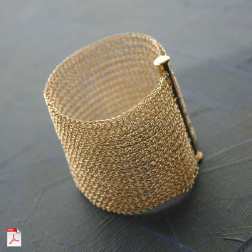 How to crochet a Cuff Bracelet , PDF pattern