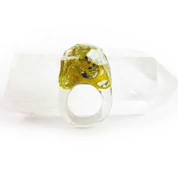 Asymmetrical Faceted Terrarium Ring • Size 4.5 • Eco Resin Moss Ring • Unusual Art Nature • Faceted Terrarium • Geometric Terrarium Ring