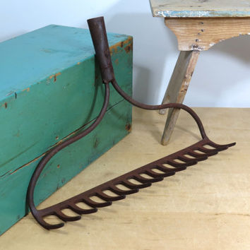 Vintage Bowhead Garden Rake Head . Rustic Wine Glass Holder . Kitchen Utensil or Gardening Tool Hooks . 15 Tines