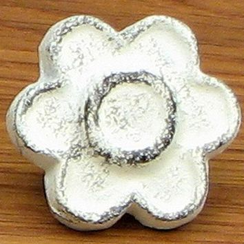 Cast Iron Antique White Flower Drawer Pull -Set Of 12