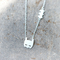 Batman Mask Necklace (Color Silver) (Color: Silver)