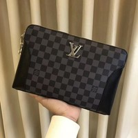 LV Louis Vuitton MEN'S 2018 HOT STYLE MONOGRAM LEATHER ZIPPER HAND BAG